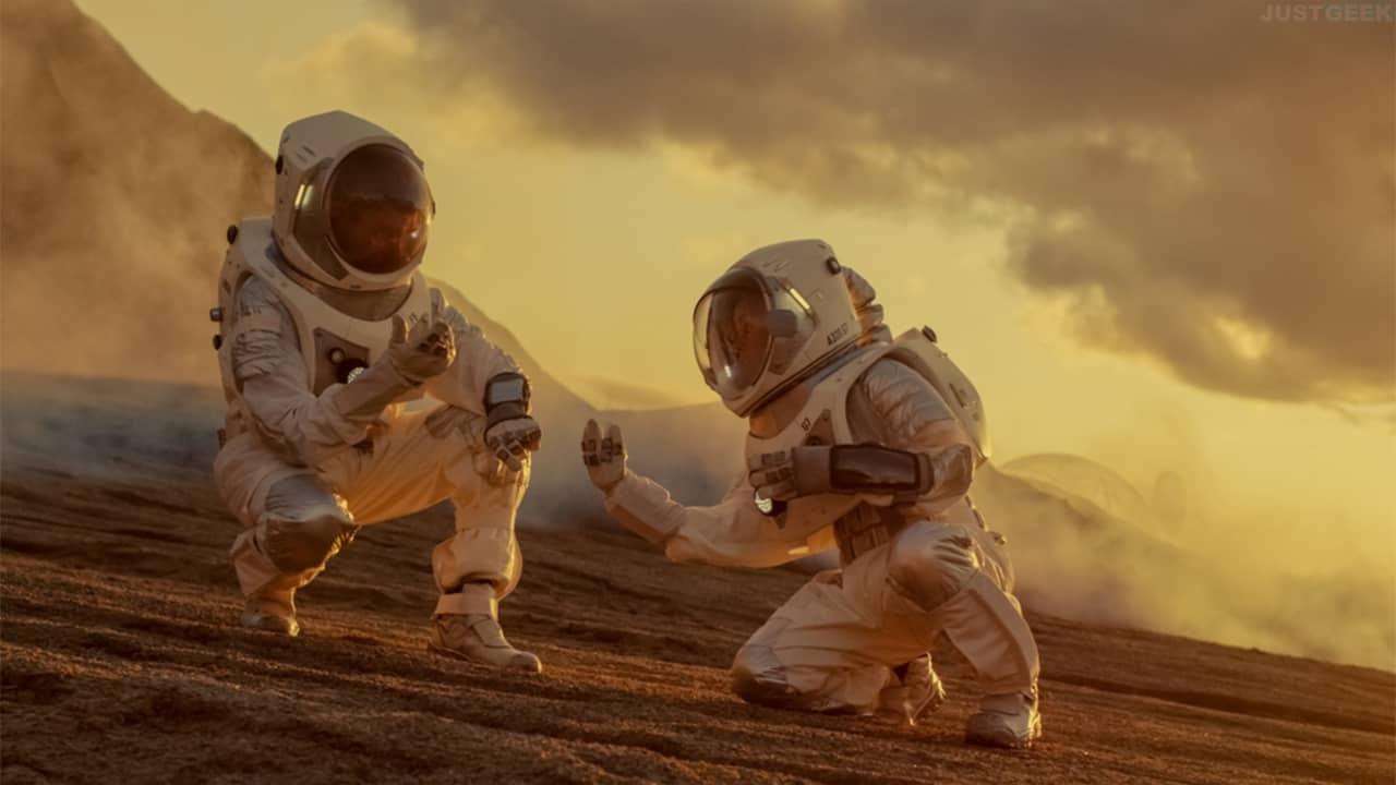 Deux astronautes sur une planète étrangère