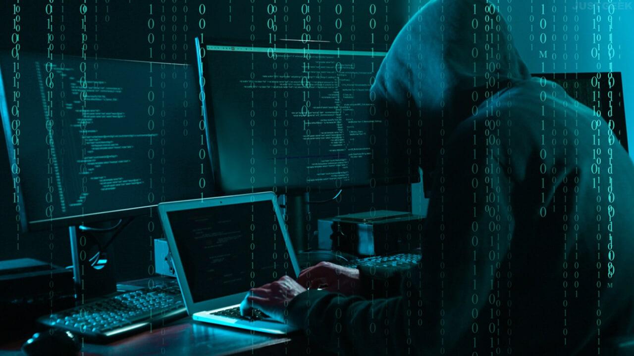 Un hacker en train de lancer une cyberattaque